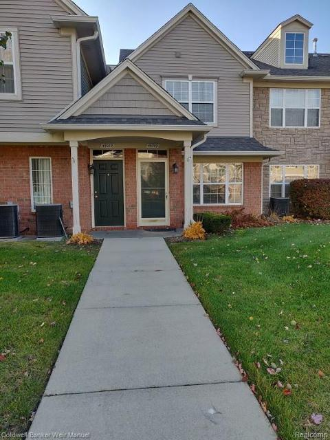 49093 Woods Dr Unit 7, Shelby Twp, 48317, MI - Photo 1 of 25