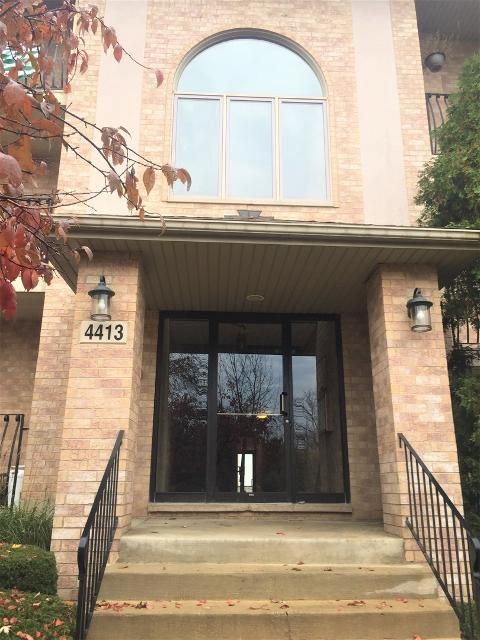 4413 Pershing Unit203, Downers Grove, 60515, IL - Photo 1 of 15