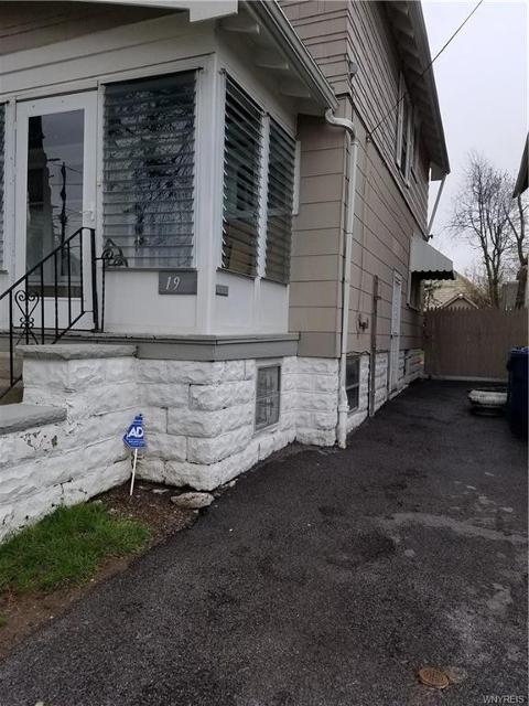 19 Hill St E, Buffalo, 14214, NY - Photo 1 of 5