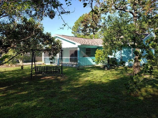430 SE Crosspoint Dr, Port Saint Lucie, 34983, FL - Photo 1 of 24