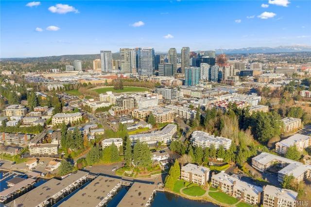 10055 Meydenbauer Way SE Unit 13, Bellevue, 98004, WA - Photo 1 of 32