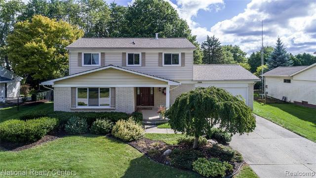 22690 Heatherbrae, Novi, 48375, MI - Photo 1 of 39