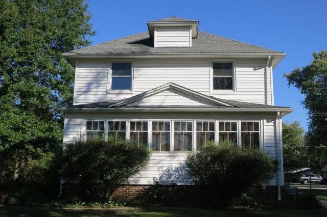 302 Wilson Ave, Villa Grove, 61956, IL - Photo 1 of 25
