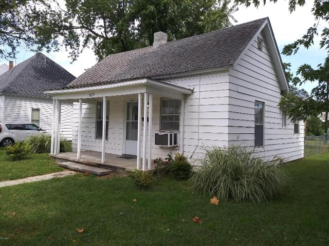 1829 Moffet, Joplin, 64804, MO - Photo 1 of 25