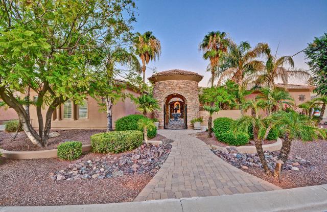 325 N Cloverfield Cir, Litchfield Park, 85340, AZ - Photo 1 of 52
