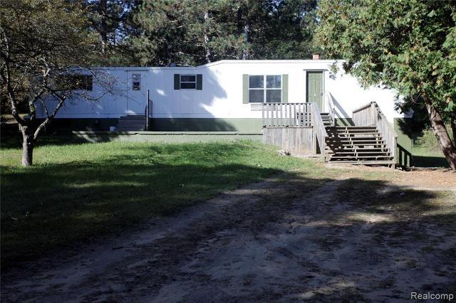 4685 Klam Rd, Columbiaville, 48421, MI - Photo 1 of 12