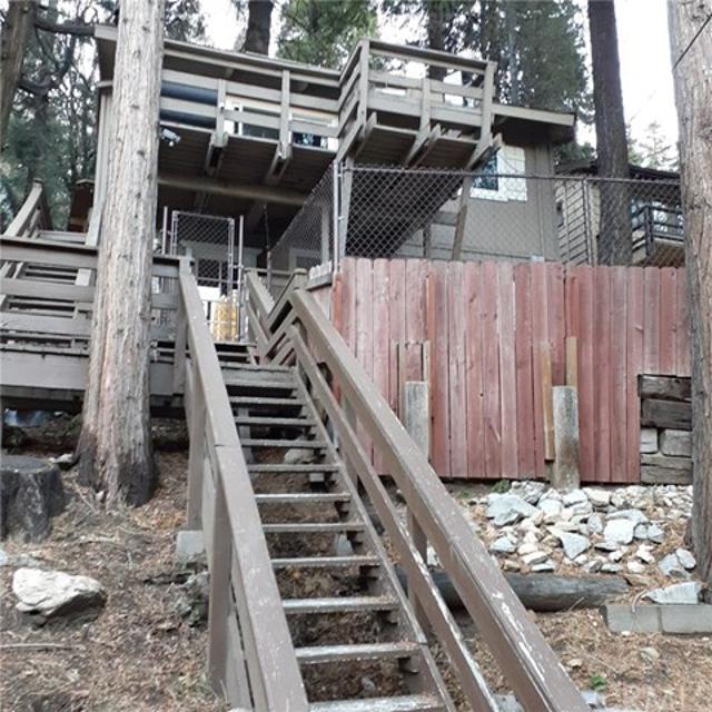 726 Golden Dr, Lake Arrowhead, 92352, CA - Photo 1 of 19