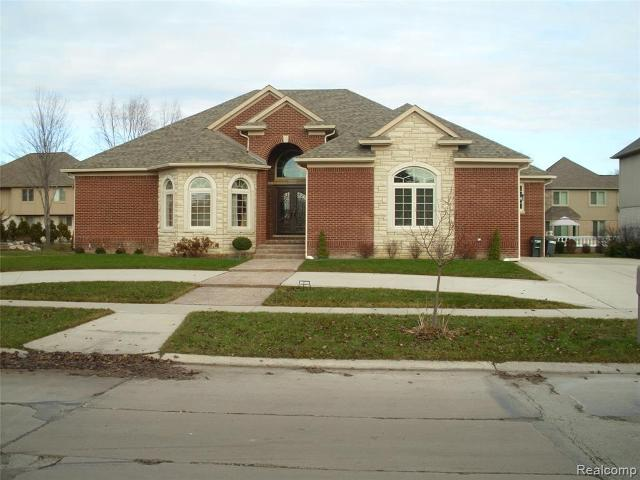 43558 Hoptree Dr, Sterling Heights, 48314, MI - Photo 1 of 55
