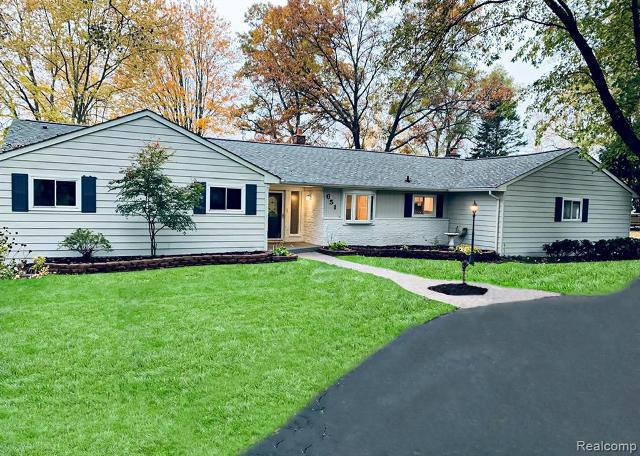 651 N Pinegrove Ave, Waterford, 48327, MI - Photo 1 of 35
