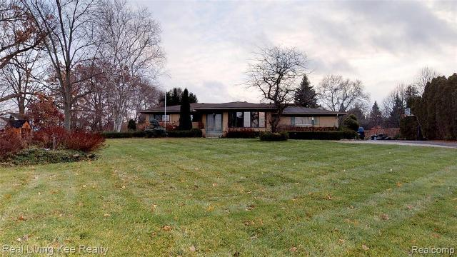 1325 W West Maple Rd, Walled Lake, 48390, MI - Photo 1 of 14