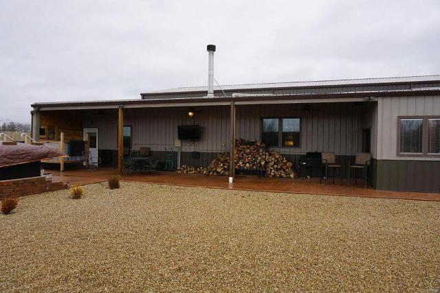 2047 Mills Cart Rd, Salem, 62881, IL - Photo 1 of 53