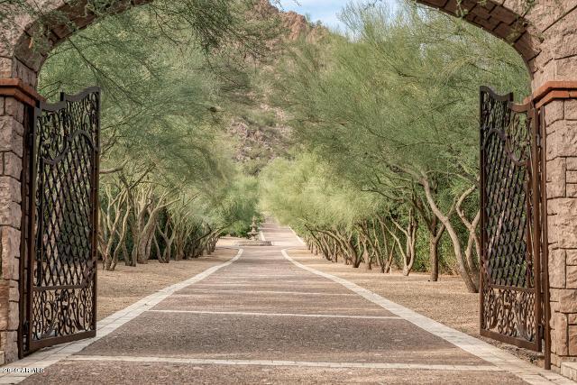 5612 N Yucca Rd, Paradise Valley, 85253, AZ - Photo 1 of 49