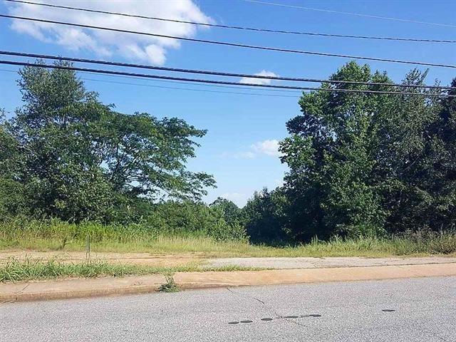 730 Oak Street / Junkyard, Seneca, 29678, SC - Photo 1 of 8
