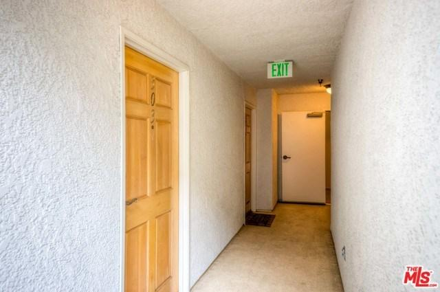 3743 S Canfield Ave Unit 303, Los Angeles, 90034, CA - Photo 1 of 17