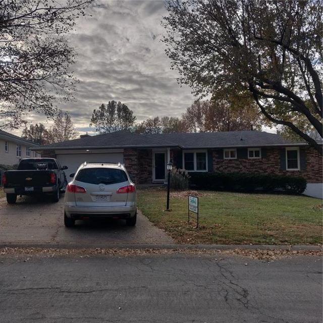 7508 N Woodland Ave, Gladstone, 64118, MO - Photo 1 of 6