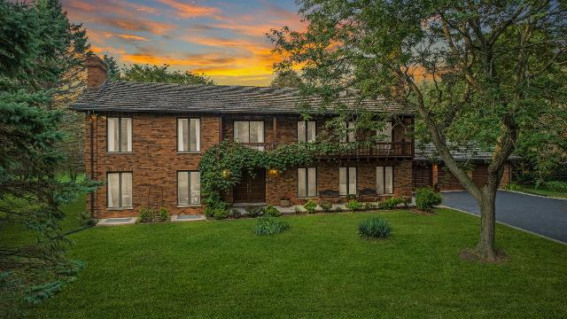 10 Country Oaks, Barrington Hills, 60010, IL - Photo 1 of 44