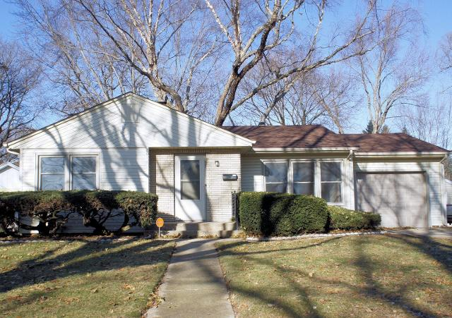 2011 Crestwood Ave, Rockford, 61103, IL - Photo 1 of 23