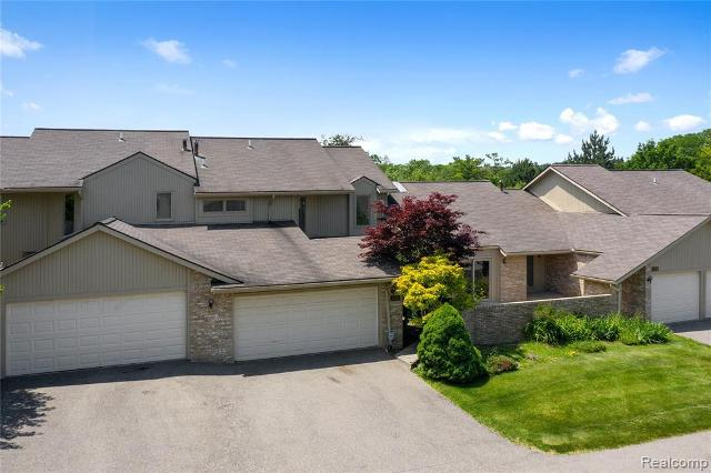 4291 Foxpointe Dr, West Bloomfield, 48323, MI - Photo 1 of 24