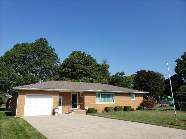 311 N Mcgown St, Raymond, 62560, IL - Photo 1 of 33