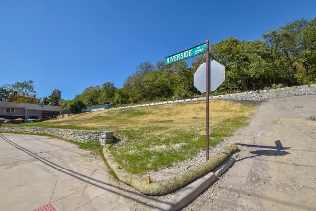 2076 Riverside Dr, Cincinnati, 45202, OH - Photo 1 of 6