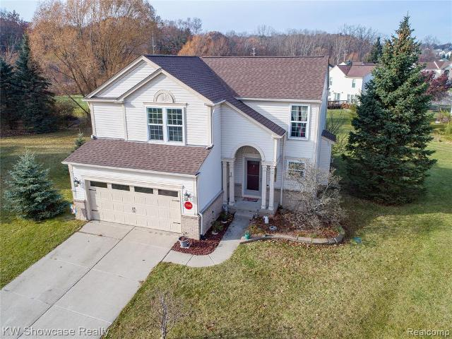 7846 Fawn Ct, Waterford, 48327, MI - Photo 1 of 40