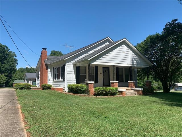 317 3rd Ave NW, Conover, 28613, NC - Photo 1 of 16