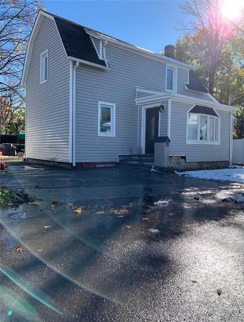 1 Crooker Pl, Port Washington, 11050, NY - Photo 1 of 5