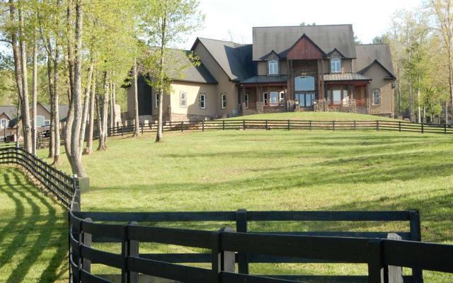 280 Star Creek, Morganton, 30560, GA - Photo 1 of 23