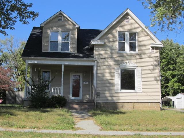 217 White St, Hillsboro, 62049, IL - Photo 1 of 20
