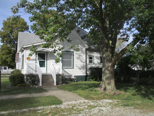 402 E Elm St, Villa Grove, 61956, IL - Photo 1 of 15