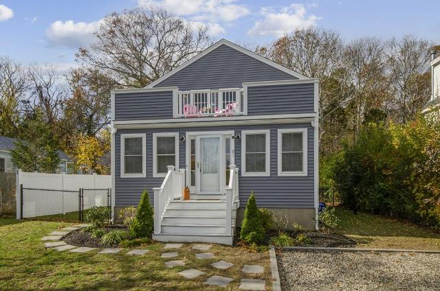 51 Elm St, Plymouth, 02360, MA - Photo 1 of 24