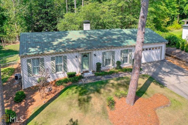 220 Willow Springs, Roswell, 30075, GA - Photo 1 of 38