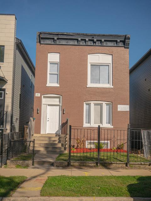 4553 Champlain, Chicago, 60653, IL - Photo 1 of 12