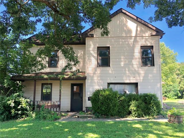 305 Dearborn, Hillsboro, 62049, IL - Photo 1 of 25
