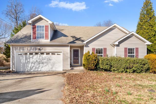 1490 Mcclardy Rd, Clarksville, 37042, TN - Photo 1 of 17
