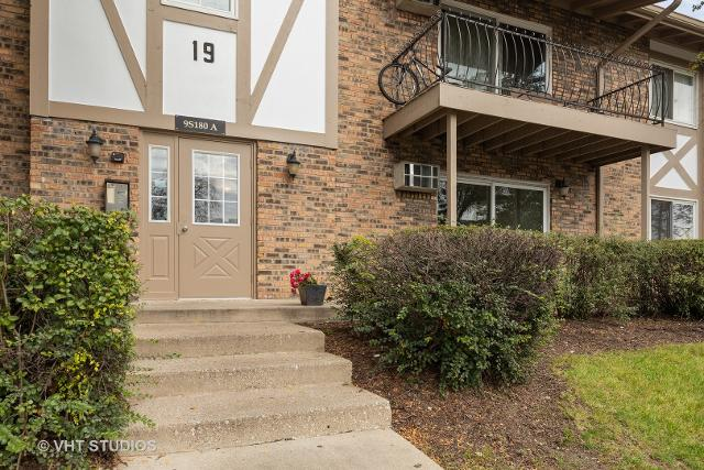 9S180 Lake Unit102, Willowbrook, 60527, IL - Photo 1 of 12