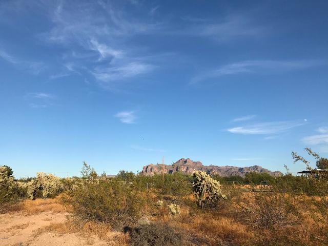 851 W Tepee St, Apache Junction, 85120, AZ - Photo 1 of 18