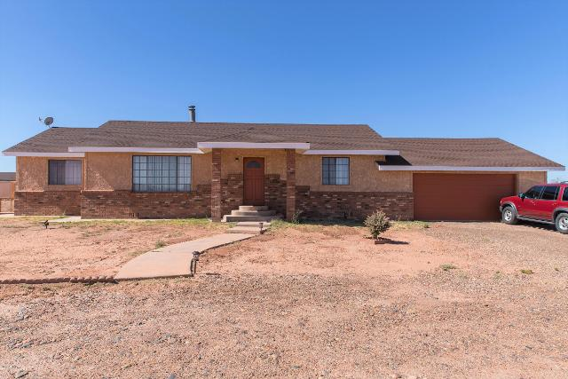 2001 Scenic View Dr, Winslow, 86047, AZ - Photo 1 of 22