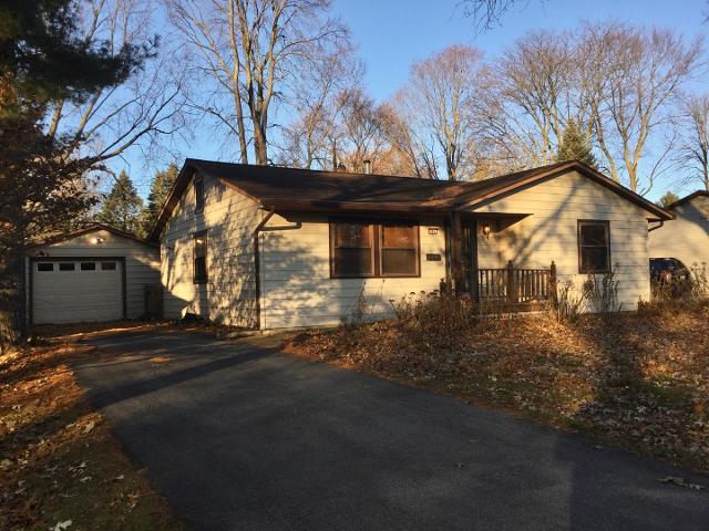 906 E Burkwood Dr, Urbana, 61801, IL - Photo 1 of 20