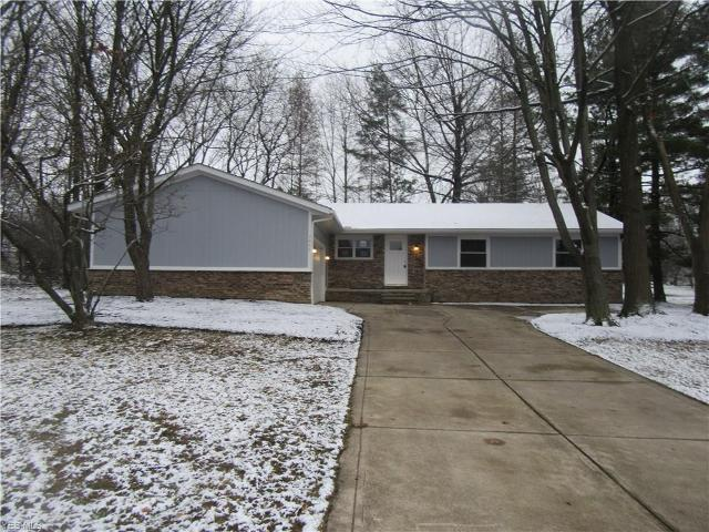 7935 W Ridge Dr, Broadview Heights, 44147, OH - Photo 1 of 18