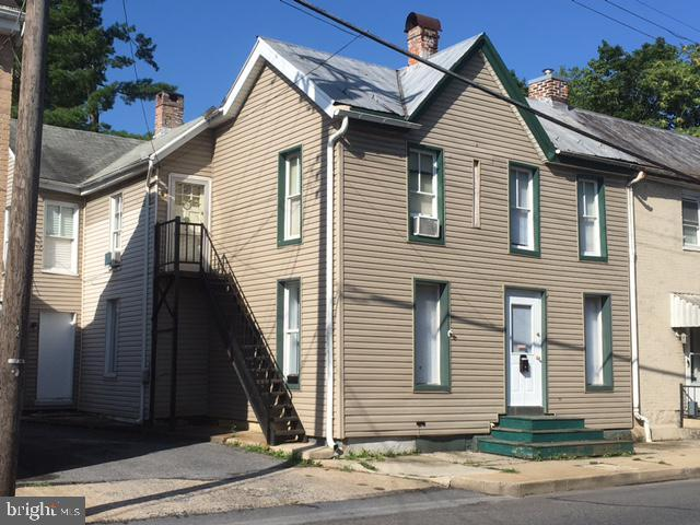 376 Lincoln, Chambersburg, 17201, PA - Photo 1 of 19