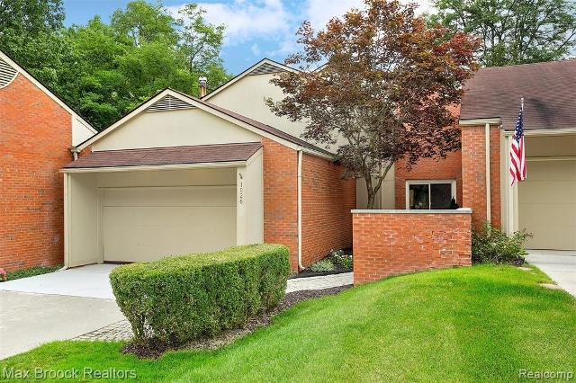1026 Stratford, Bloomfield Hills, 48304, MI - Photo 1 of 29