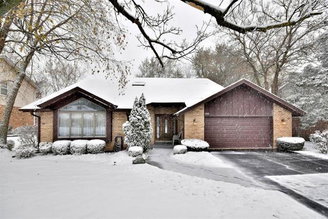 11320 Arrowhead Trl, Indian Head Park, 60525, IL - Photo 1 of 41