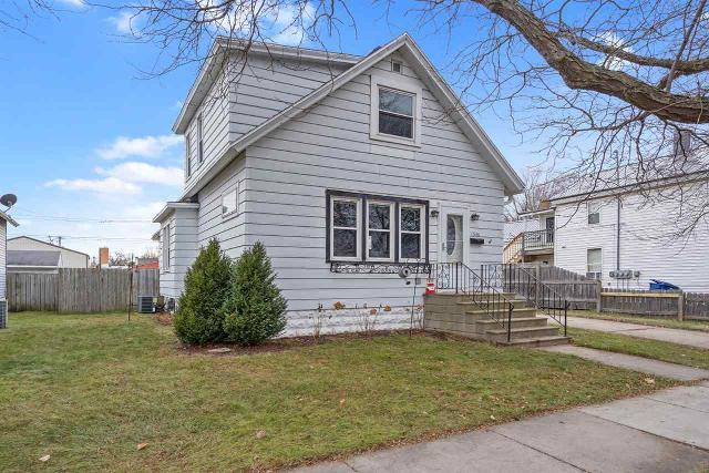 1346 Elm St, Green Bay, 54302, WI - Photo 1 of 25