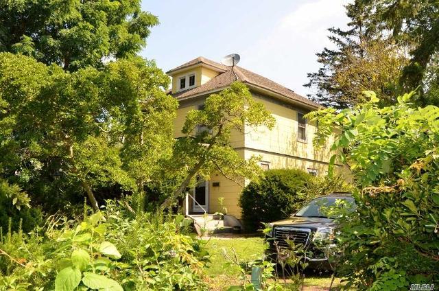 14 Oaklawn, Glen Head, 11545, NY - Photo 1 of 1