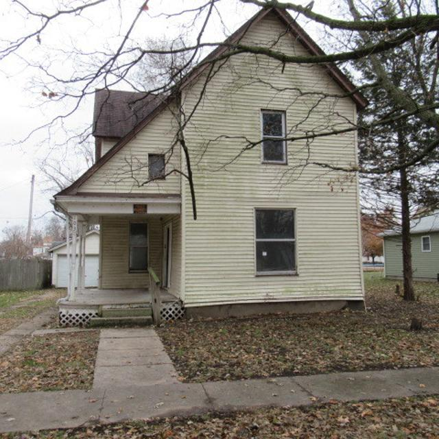 103 E 5th St, Hammond, 61929, IL - Photo 1 of 17