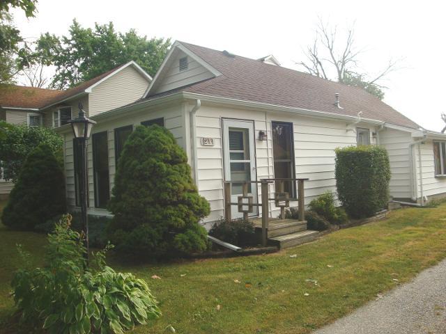 211 Grove, Rankin, 60960, IL - Photo 1 of 40