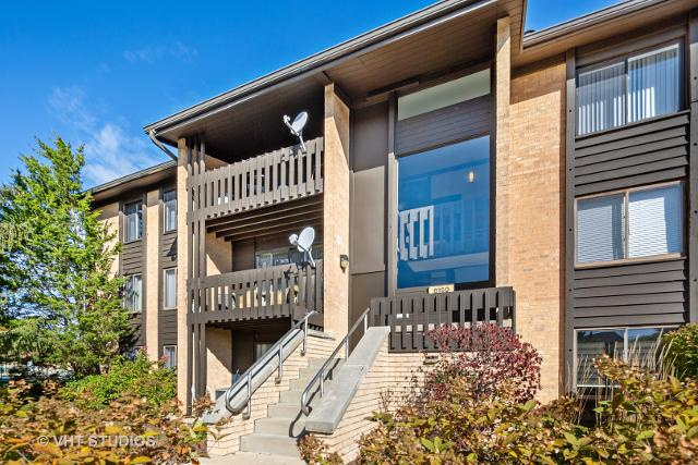 6150 Knoll Wood Unit201, Willowbrook, 60527, IL - Photo 1 of 11