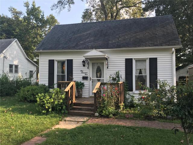 1004 E Ward E, Greenville, 62246, IL - Photo 1 of 14