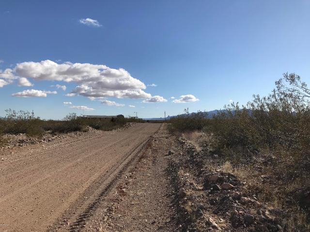 4606 N Elgin Rd, Golden Valley, 86413, AZ - Photo 1 of 2